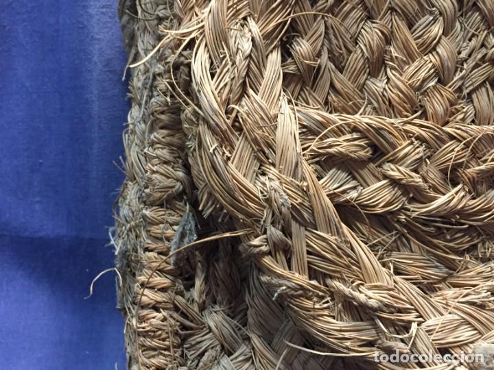 Antigüedades: ZURRON ESPARTO CORREA CUERDA ARTESANAL CUERO PPIO S XX 40X36X18CMS - Foto 26 - 210460600