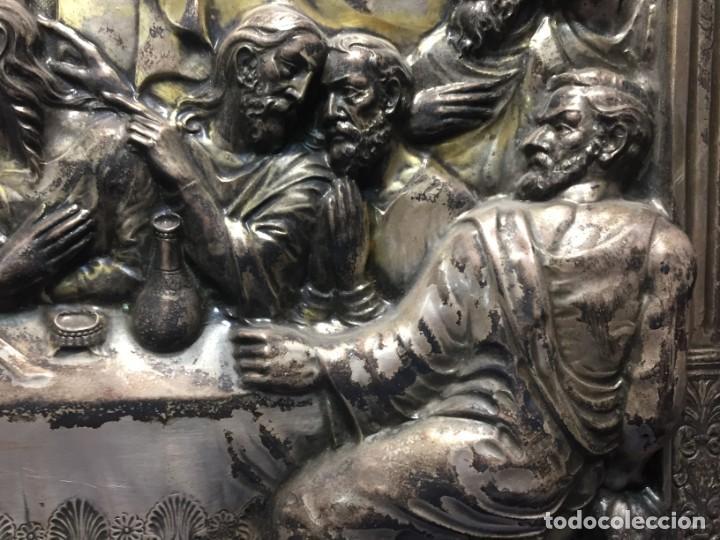 Antigüedades: ULTIMA CENA DE JESUS CRISTO METAL PLATEADO TROQUELADO ENMARCADO PPIOS XX 61X44,5CMS - Foto 6 - 210481535