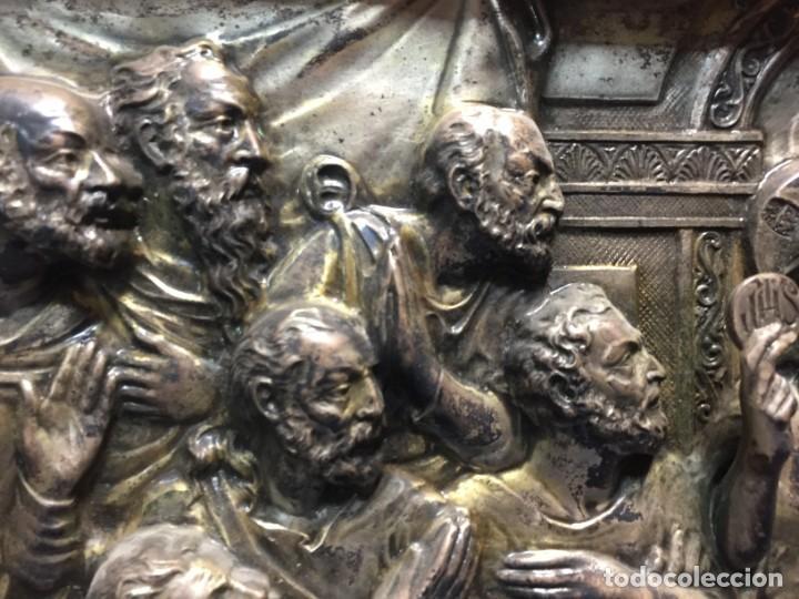 Antigüedades: ULTIMA CENA DE JESUS CRISTO METAL PLATEADO TROQUELADO ENMARCADO PPIOS XX 61X44,5CMS - Foto 9 - 210481535