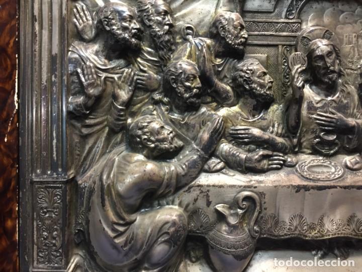 Antigüedades: ULTIMA CENA DE JESUS CRISTO METAL PLATEADO TROQUELADO ENMARCADO PPIOS XX 61X44,5CMS - Foto 10 - 210481535