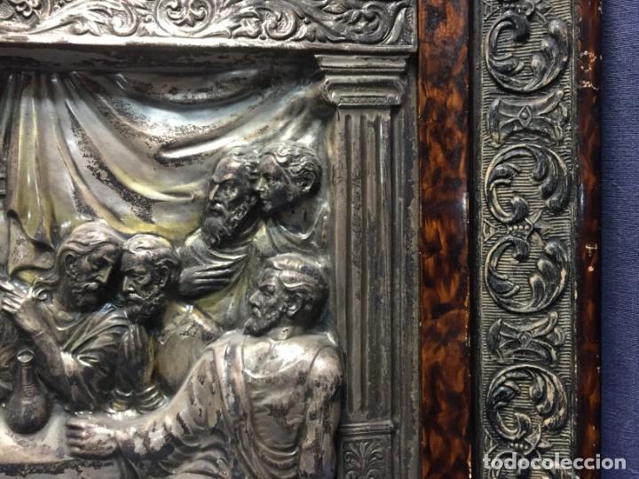 Antigüedades: ULTIMA CENA DE JESUS CRISTO METAL PLATEADO TROQUELADO ENMARCADO PPIOS XX 61X44,5CMS - Foto 16 - 210481535