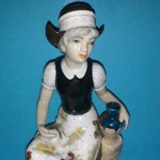 Antigüedades: FIGURA DE PORCELANA GAMA. Lote 210528837