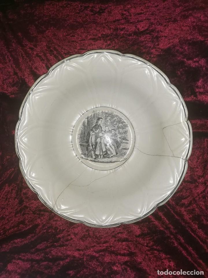 PRECIOSA FUENTE DE PORCELANA.FÁBRICA DE CARTAGENA. LA AMISTAD. 1845-70 (Antigüedades - Porcelanas y Cerámicas - Cartagena)