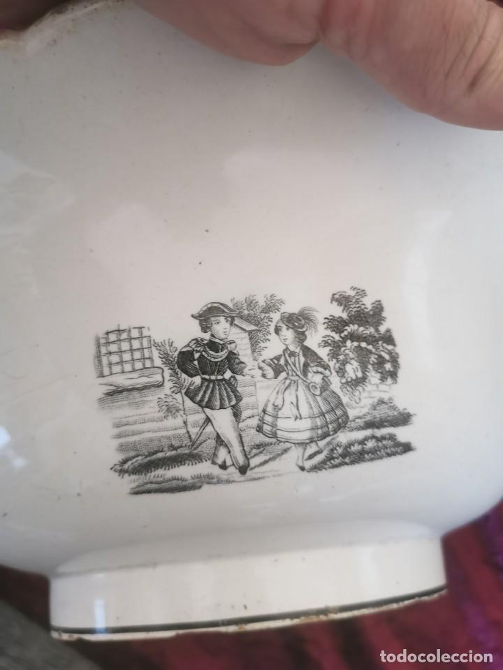 Antigüedades: Preciosa fuente de porcelana.Fábrica de Cartagena. La amistad. 1845-70 - Foto 4 - 210544277
