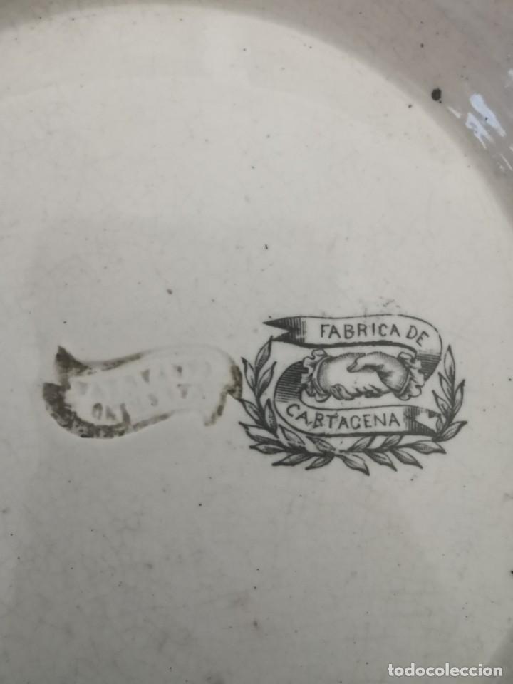Antigüedades: Preciosa fuente de porcelana.Fábrica de Cartagena. La amistad. 1845-70 - Foto 7 - 210544277