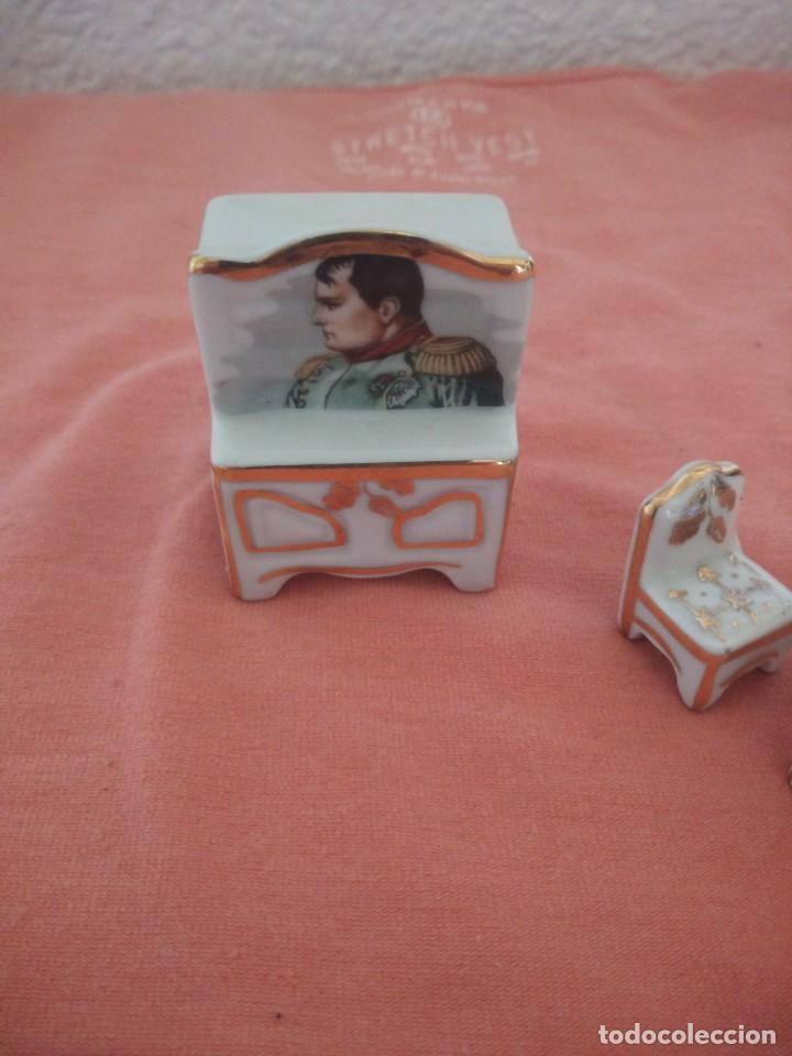 Antigüedades: Lote de porcelanas alacena,mesa y sillas en miniatura imagen napoleón,limoges. - Foto 2 - 210549640