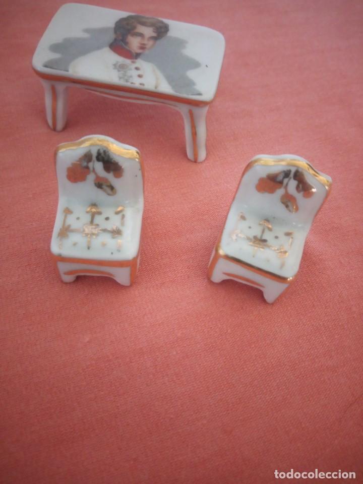 Antigüedades: Lote de porcelanas alacena,mesa y sillas en miniatura imagen napoleón,limoges. - Foto 5 - 210549640