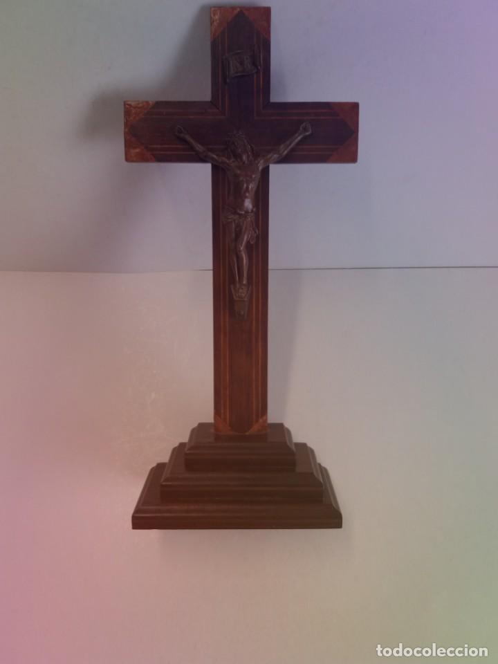 ESPLENDIDO CRUCIFIJO SACRISTIA AÑOS 40´S BENDECIDO INCRUSTACIONES (Antigüedades - Religiosas - Crucifijos Antiguos)