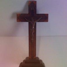 Antigüedades: ESPLENDIDO CRUCIFIJO SACRISTIA AÑOS 40´S BENDECIDO INCRUSTACIONES. Lote 210585767