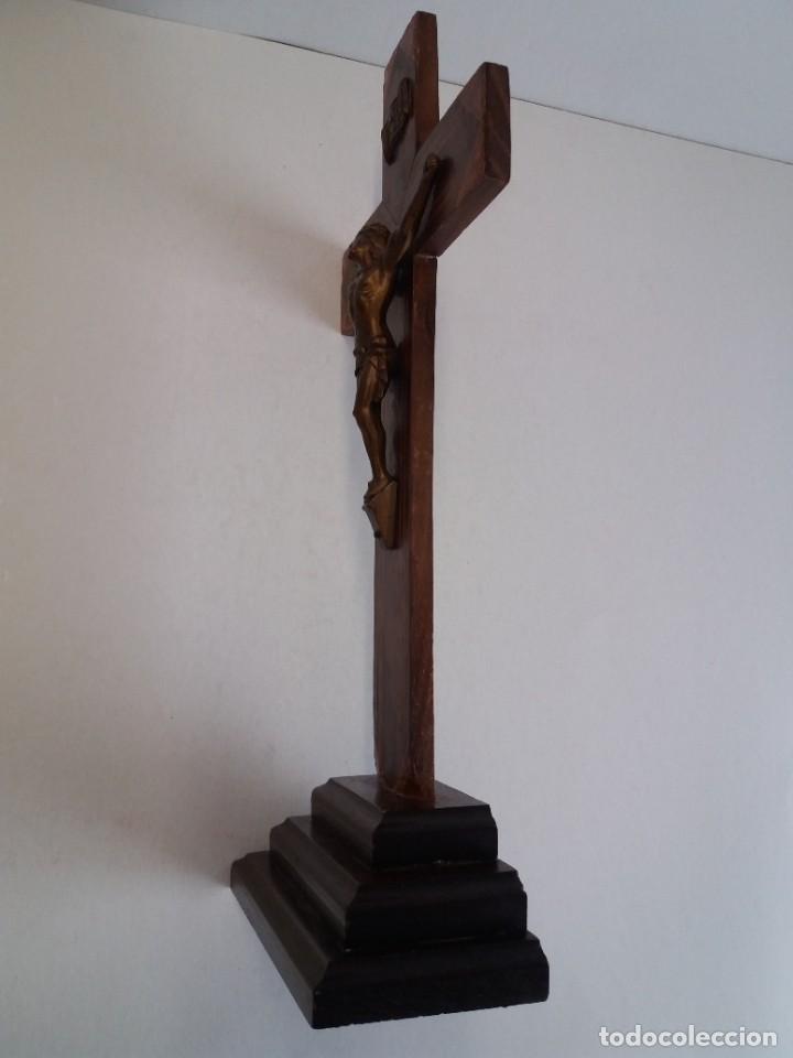 Antigüedades: ESPLENDIDO CRUCIFIJO SACRISTIA AÑOS 40´S BENDECIDO INCRUSTACIONES - Foto 5 - 210585767