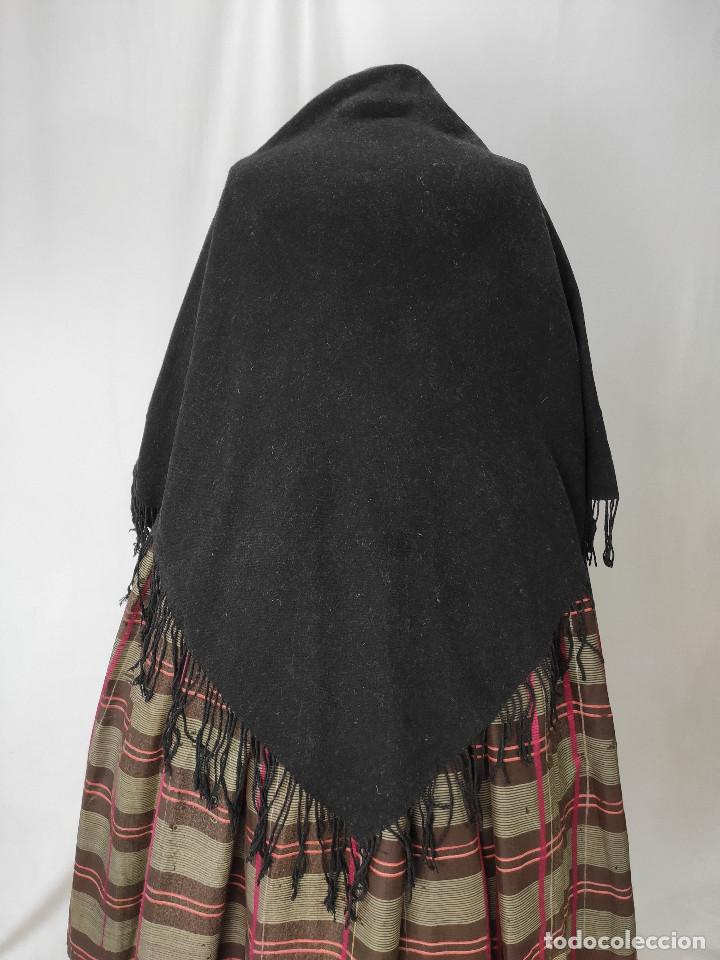 ANTIGUO PICO DE MANTÓN DE LANA (Antigüedades - Moda - Mantones Antiguos)