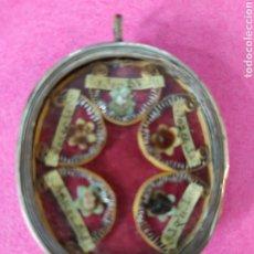 Antigüedades: RELICARIO RELIQUIAS 5 SANTOS. Lote 210723305