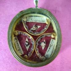 Antigüedades: RELICARIO RELIQUIAS 3 SANTOS. Lote 210723656
