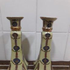 Antigüedades: DOS ANTIGUOS PORTAVELAS DE PORCELANA CHINA. Lote 210767014