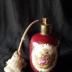 Antigüedades: BOTELLA PERFUMERO JARRON PORCELANA LIMOGES AÑO 1870. Lote 39209520