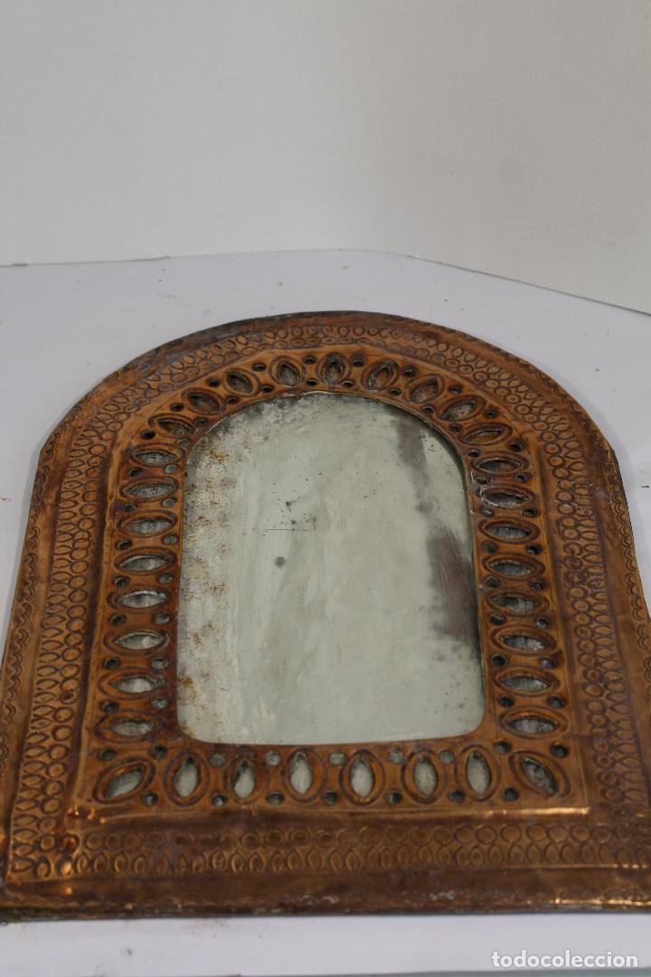 Antigüedades: espejo de marruecos en laton repujado - Foto 3 - 210804344