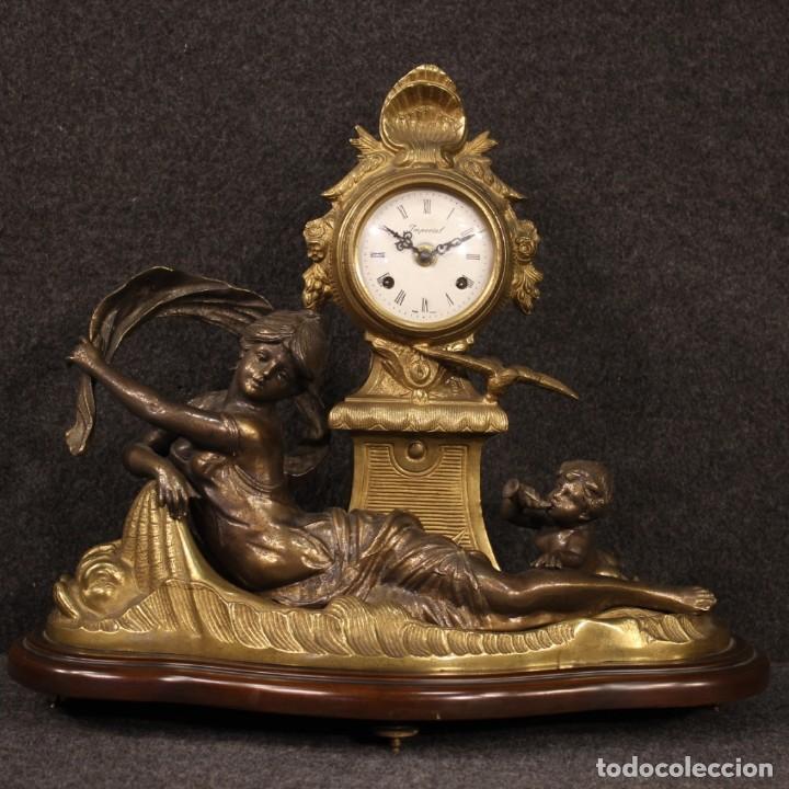 Antigüedades: Reloj francés en bronce y antimonio dorado - Foto 2 - 210817396