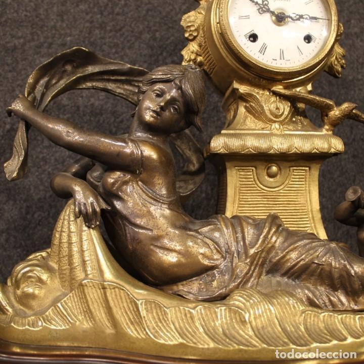 Antigüedades: Reloj francés en bronce y antimonio dorado - Foto 7 - 210817396