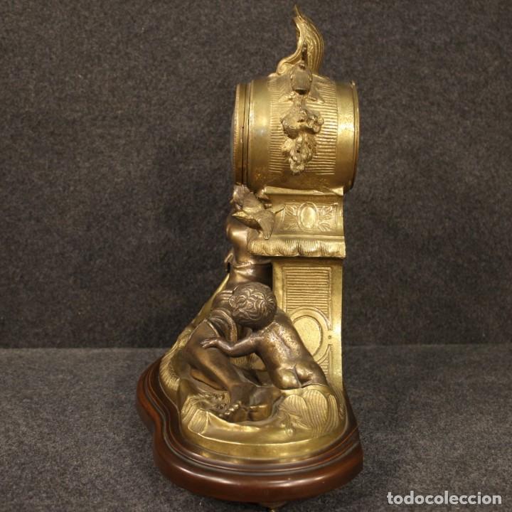 Antigüedades: Reloj francés en bronce y antimonio dorado - Foto 8 - 210817396