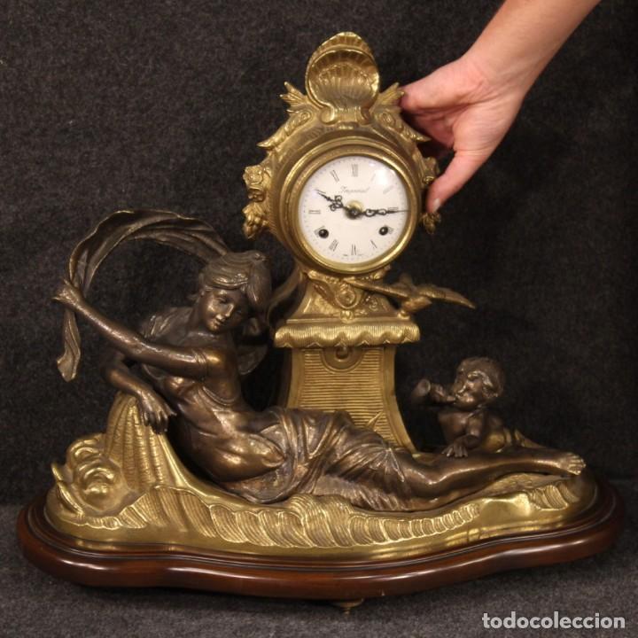 Antigüedades: Reloj francés en bronce y antimonio dorado - Foto 11 - 210817396