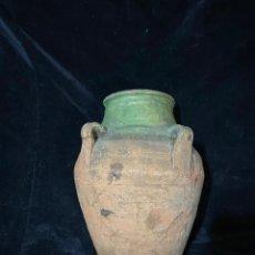 Antigüedades: TINAJA DE BARRO CON BOCA VERDE. USO POPULAR.. Lote 210957730