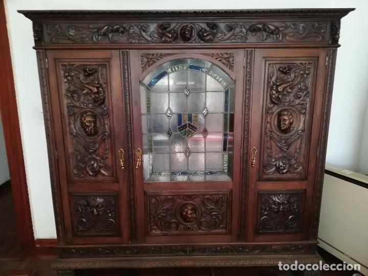 ARMARIO , MESA , SILLAS (Antigüedades - Muebles Antiguos - Armarios Antiguos)