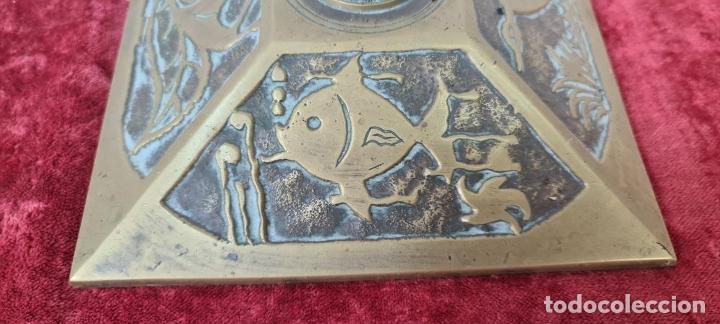 Antigüedades: CONJUNTO DE CHIMENEA EN BRONCE. ESTILO MODERNISTA. SIGLO XX. - Foto 8 - 211262827
