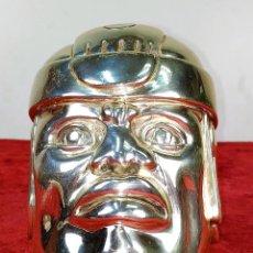 Antigüedades: CABEZA OLMECA. METAL CHAPADO EN PLATA. RESINA. CON MARCAS D'ARGENTI. MEXICO. SIGLO XX. Lote 211392175