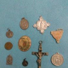 Antigüedades: INTERESANTE LOTE DE MEDALLAS RELIGIOSAS Y ESCAPULARIOS ANTIGUOS DETENTE EL CORAZON DE JESUS. Lote 211395807