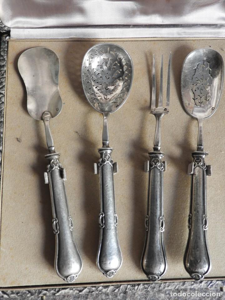 Antigüedades: CUBIERTOS DE SERVIR DE PLATA PARA APERITIVOS CON ESTUCHE - Foto 2 - 211402199