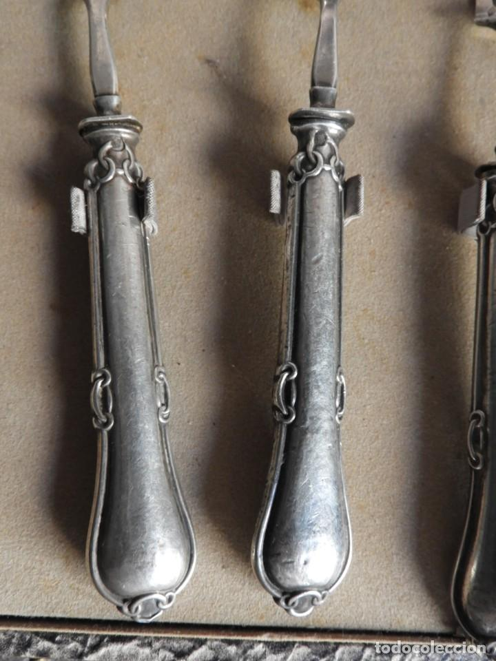 Antigüedades: CUBIERTOS DE SERVIR DE PLATA PARA APERITIVOS CON ESTUCHE - Foto 3 - 211402199