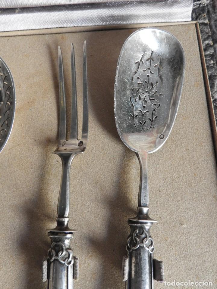 Antigüedades: CUBIERTOS DE SERVIR DE PLATA PARA APERITIVOS CON ESTUCHE - Foto 6 - 211402199