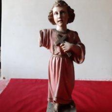 Antigüedades: IMAGEN HECHA EN ESCAYOLA CON OJOS DE CRISTAL. Lote 211429080