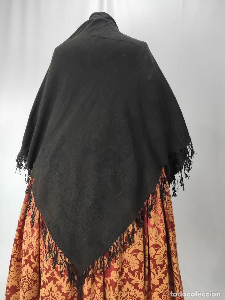 Antigüedades: Antiguo mantón de algodón grueso, color ala de mosca - Foto 2 - 211456204