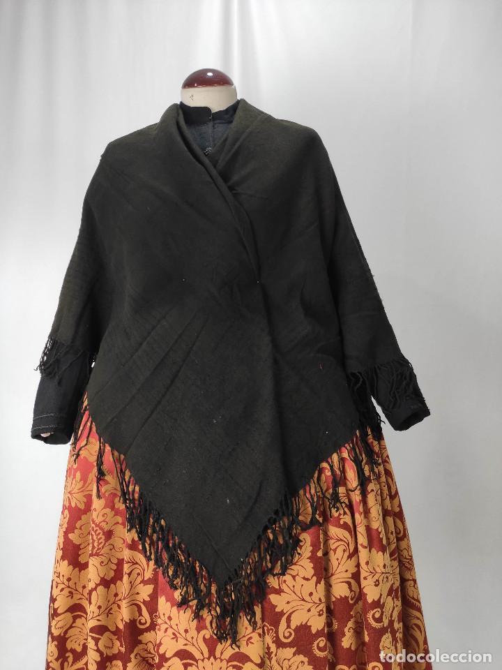 Antigüedades: Antiguo mantón de algodón grueso, color ala de mosca - Foto 7 - 211456204