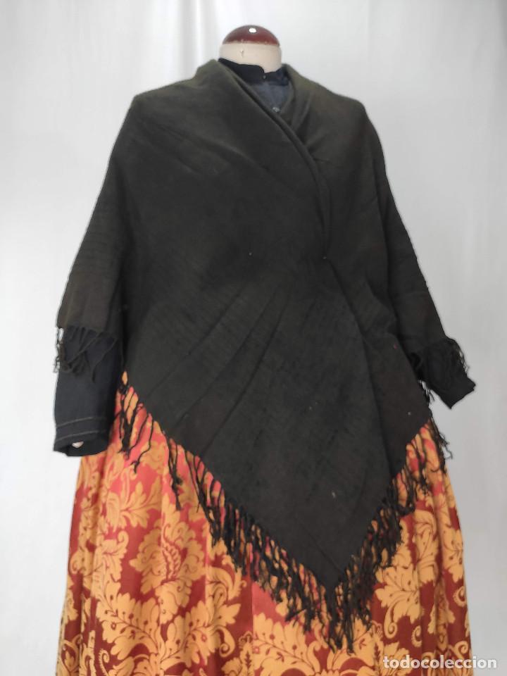 Antigüedades: Antiguo mantón de algodón grueso, color ala de mosca - Foto 8 - 211456204