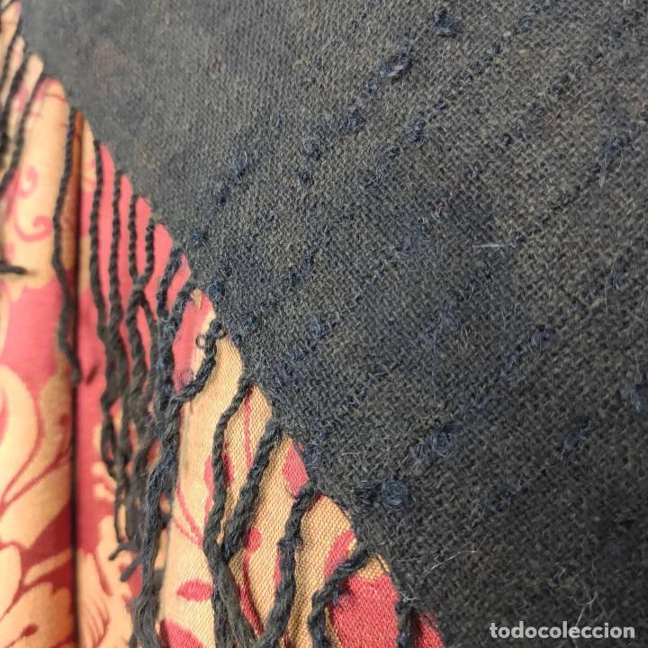 Antigüedades: Antiguo mantón de algodón grueso, color ala de mosca - Foto 9 - 211456204