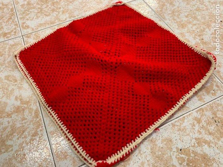 Antigüedades: Antigua funda de cojin o almohada, en punto de ganchillo, mide aprox 40x40cms. absolutamente Vintage - Foto 3 - 211458135
