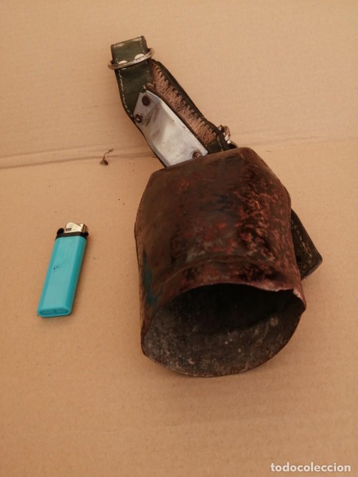 Antigüedades: cencerro o esquila antiguo - Foto 2 - 211472669