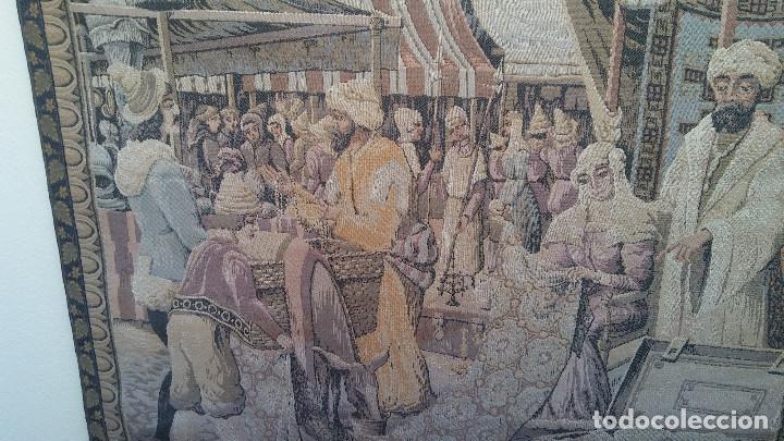 Antigüedades: ANTIGUO TAPIZ ESCENA MERCADO MEDIEVAL, MOROS Y CRISTIANOS, MUY BUENA CONSERVACIÓN. GRAN TAMAÑO - Foto 3 - 211475431