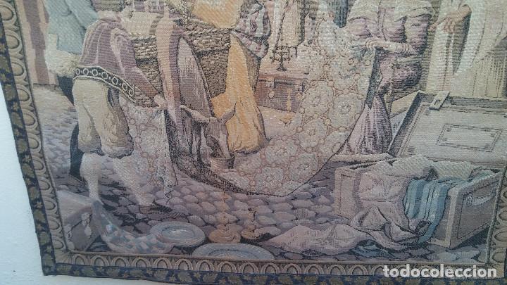 Antigüedades: ANTIGUO TAPIZ ESCENA MERCADO MEDIEVAL, MOROS Y CRISTIANOS, MUY BUENA CONSERVACIÓN. GRAN TAMAÑO - Foto 4 - 211475431