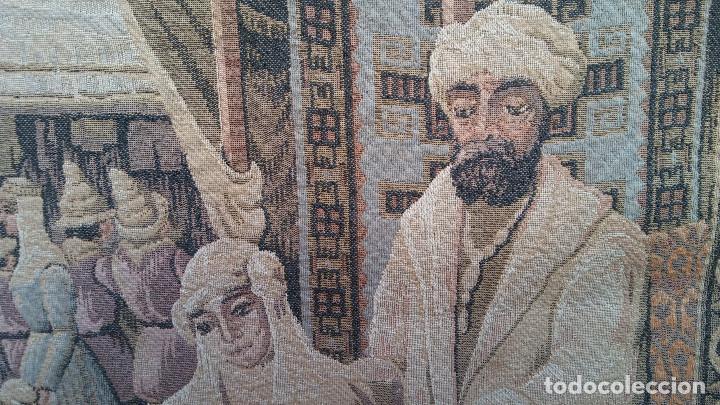 Antigüedades: ANTIGUO TAPIZ ESCENA MERCADO MEDIEVAL, MOROS Y CRISTIANOS, MUY BUENA CONSERVACIÓN. GRAN TAMAÑO - Foto 5 - 211475431