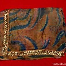 Antigüedades: SARI - SAREE EN CREPE DE SEDA CON BORDADOS A MANO Y LENTEJUELAS - 5,75 METROS.. Lote 211494856