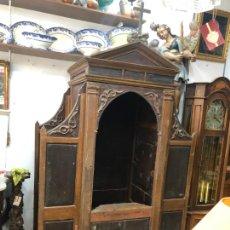Antigüedades: GRAN CONFESIONARIO EN MADERA SIGLO XIX CON MEDIDAS 260X150X80 CM. Lote 211499470