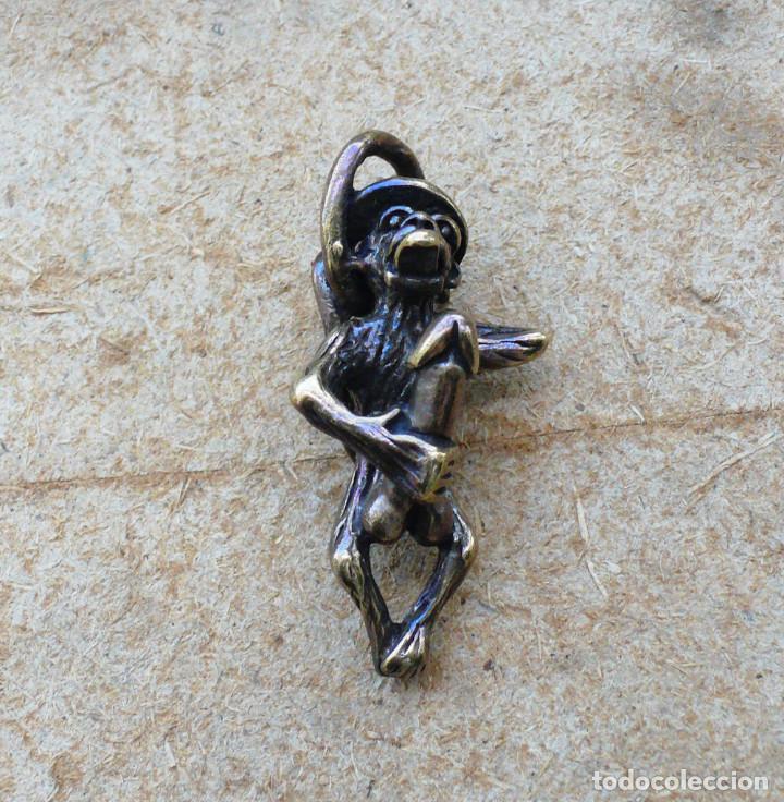 Antigüedades: escultura en miniatura. bronce .erotica .mono - Foto 2 - 211503036