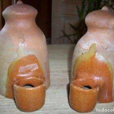 Antigüedades: PAREJA DE ANTIGUOS BEBEDEROS CON BOCA VIDRIADA PARA AVES .. Lote 211526104