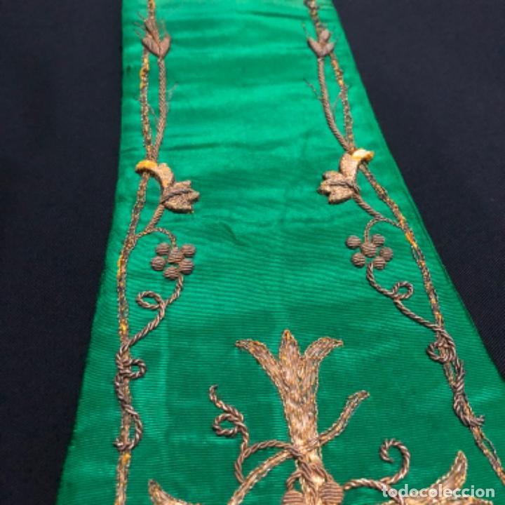 Antigüedades: Estola tafetán seda verde bordada en oro - Foto 2 - 211560932