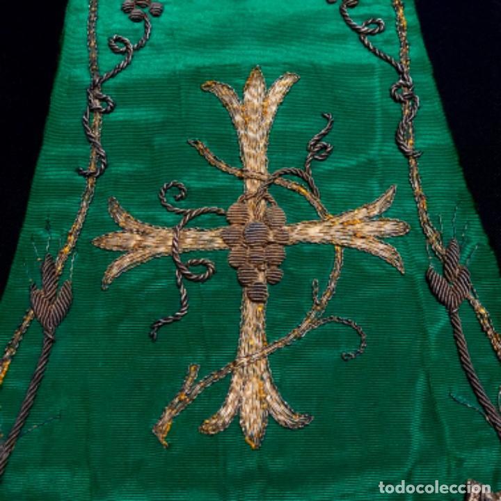 Antigüedades: Estola tafetán seda verde bordada en oro - Foto 4 - 211560932