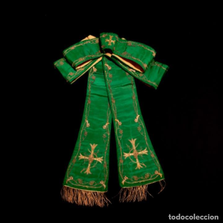 Antigüedades: Estola tafetán seda verde bordada en oro - Foto 5 - 211560932