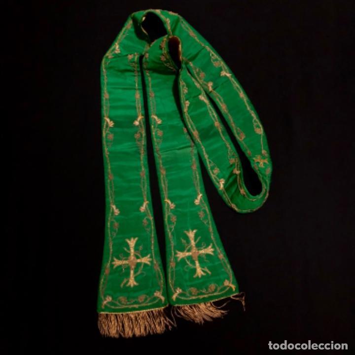 Antigüedades: Estola tafetán seda verde bordada en oro - Foto 6 - 211560932